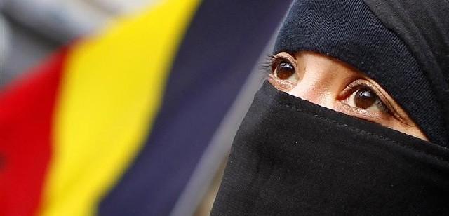 Obří problém. Z Bruselu se řídí EU i muslimský teror (TÝDEN.cz)