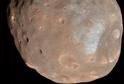 Phobos vypadá jako obří brambora.