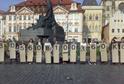 Happening v Praze za konec odkládání dalšího projednávání návrhu o registru smluv, červen 2015.