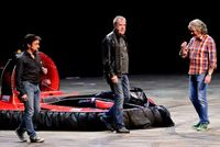 Tvůrci pořadu Top Gear, zleva: Richard Hammond, Jeremy Clarkson a James May.