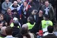Demonstrace v Praze: na Malé Straně létaly kameny i lahve