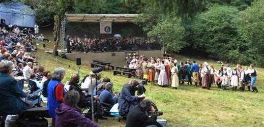 Opera v pražském přírodním divadle v Šárce.