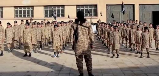 Jak se dělá džihádista. Verbování teenagerů k IS (TÝDEN.cz)
