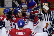 Skvělý start! Češi zmrazili Ledový dvorec, Rusy porazili 3:0