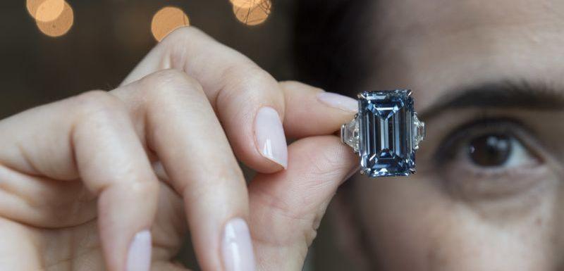 a51019c32a0 Diamant Oppenheimer Blue má v přepočtu cenu téměř 1
