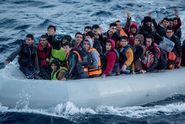 Začátek rozumné politiky? Migrantů umírá méně