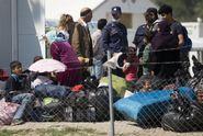 Řekové ukončili evakuaci tábora Idomeni