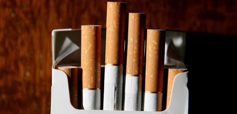 kouření padělky stařec kurva mladý gay porno