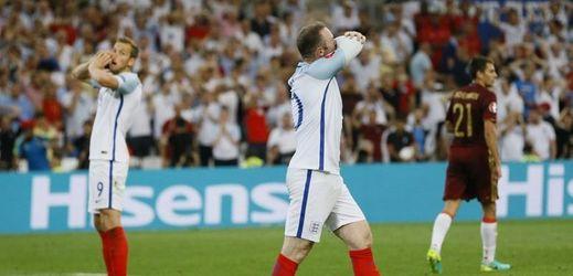 Smutek anglických fotbalistů po remíze s Ruskem