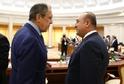 Šéf ruské diplomacie Sergej Lavrov se svým tureckým protějškem Mevlütem Çavasogluem.