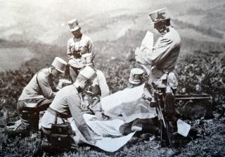Rakouská armáda na bojové lini plánuje strategii dalších bojů.