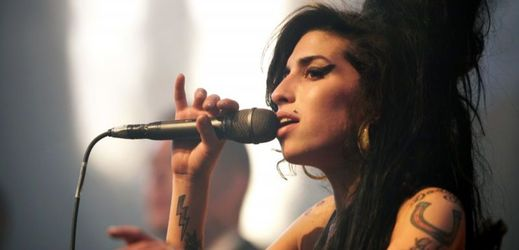 Amy Winehouseová.