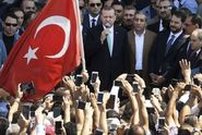 Turecký puč: Erdoğan mění zemi v diktaturu