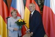 Zeman Merkelové: Nemůžete přenášet odpovědnost na ty, kdo migranty nezvou