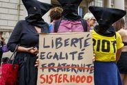 Zákaz burkin ve Francii? Rozhodnutí vynese státní rada
