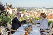 Merkelová v Praze? Zklamání. Zaberou jen sankce, píší Němci