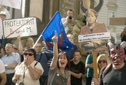 Bělobrádek: Merkelová v Praze? Počet demonstrantů mě zklamal