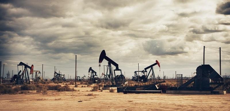 Irák podpoří cenový růst ropy. Těžbu ale chce zdvojnásobit | Týden.cz