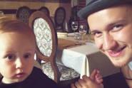 Nejroztomilejší video všech dob! Zpěvák Voxel učí zpívat syna Vašíka!