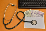 Sloužit v nemocnicích? Nařizujete robotu, protestují obvoďáci