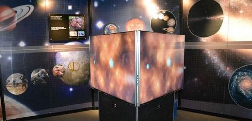 "Výstava CERN ""Accelerating Science""."