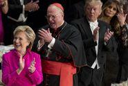 VIDEO: Clintonová se na večírku řehtala Trumpovým vtípkům
