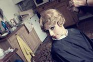 Martha Issová je na blond! V plavých loknách je podobná známé herečce