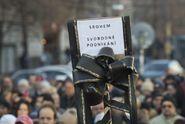 EET je jako StB! Babiše do koše! demonstrovali lidé na Václaváku
