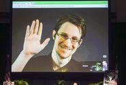 Snowden najde v Rusku úkryt i pro další roky