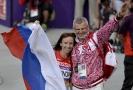 Vladimir Kazarin se svou svěřenkyní, která má také zákaz startu