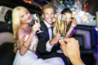 Bohatí lidé doporučují, aby se ostatní obklopovali úspěšnými lidmi (ilustrační foto).