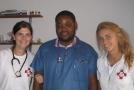 Alžběta Bezvodová s kolegou a kolegyní.