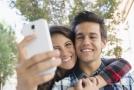 Selfie, autoportrét, v dnešní době nejčastěji umístěný na sociálních sítích. První foto autoportrét pořídil v roce 1839 Američan Robert Cornelius.