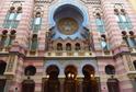 Jeruzalémská Synagoga v Jeruzalémské ulici je největší a nejmladší synagoga v Praze.