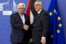 Předseda palestinské samosprávy Mahmúd Abbás (vlevo) a předseda Evropské komise Jean-Claude Juncker.