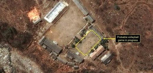 Satelitní záběry hovoří jasně.