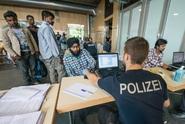 Německo bude radikály sledovat pomocí elektronických náramků