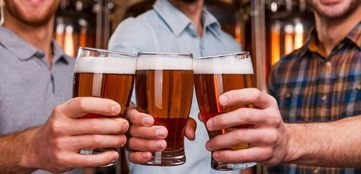 Menší pivovary i pivnice spoléhají na české pivaře (ilustrační foto).