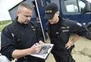 Plánované posílení policie má vyjít na 8,3 miliardy korun. Peníze půjdou do platů a vybavení nových členů policie.