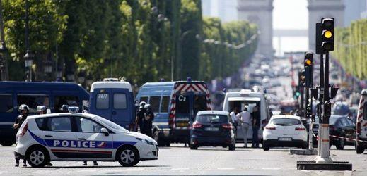 Momentka z incidentu v Paříži.