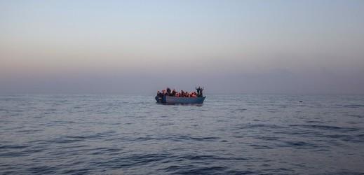 S migranty se potopil člun (ilustrační foto).