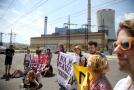 Přes dvě stovky lidí protestovaly proti prolomení limitů těžby uhlí.