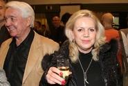 Manželka Jiřího Krampola skončila na psychiatrii. Kombinovala léky a alkohol