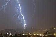 Udeří velmi silné bouřky, pak vydatný déšť, hrozí i povodně