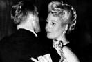 Evita Perónová při tanci s neznámým mužem ve Vídni.