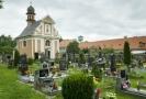 Nejstarší hroby jsou z konce 17. století, pohřbívá se na něm ale dodnes.