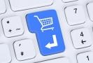 Roste on-line nákup jídla a oblečení (ilustrační foto).