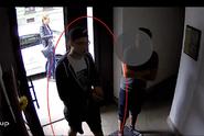 Hyenismus: mladík ukradl pokladničku v kryptě s parašutisty