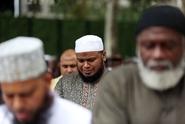 Muslimové v EU cítí sounáležitost se státy, kde žijí, tvrdí průzkum