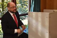 Jděte volit! Němečtí politici vyzvali lidi, sami šli příkladem